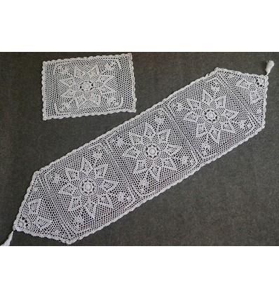 "Camino de Mesa ""Crochet"" 40X140 cm."